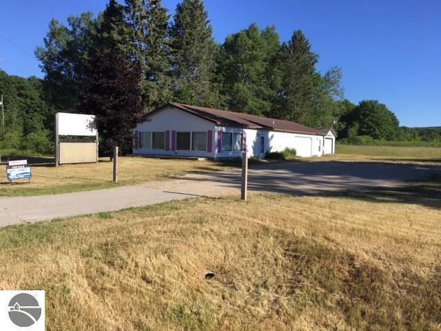 2272 W Houghton Lake Road, Lake City, MI 49651