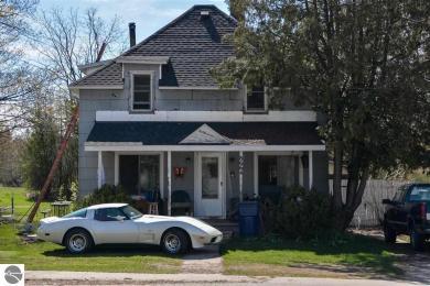 8664 Maple City Road, Maple City, MI 49664
