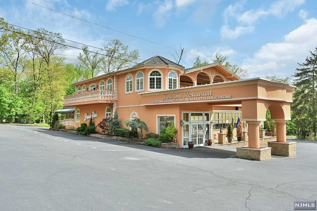 1292 Alps Rd, Wayne, NJ 07470