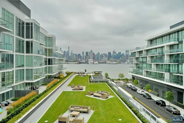 1000 Ave At Port Imperial #501, Weehawken, NJ 07086