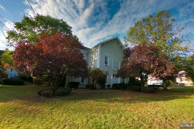 483 Durie Ave, Closter, NJ 07624