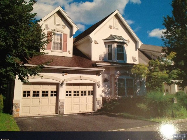 6 Boulder Run, Oakland, NJ 07436