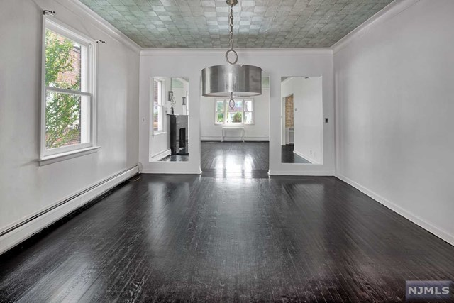 1001 Anderson Ave #Right Side, Fort Lee, NJ 07024