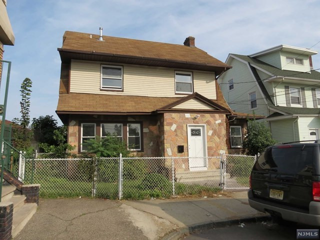19-21 Romaine Pl, Newark, NJ 07104
