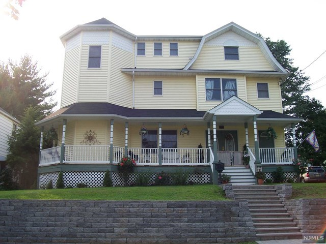 164 Eastern Way, Rutherford, NJ 07070