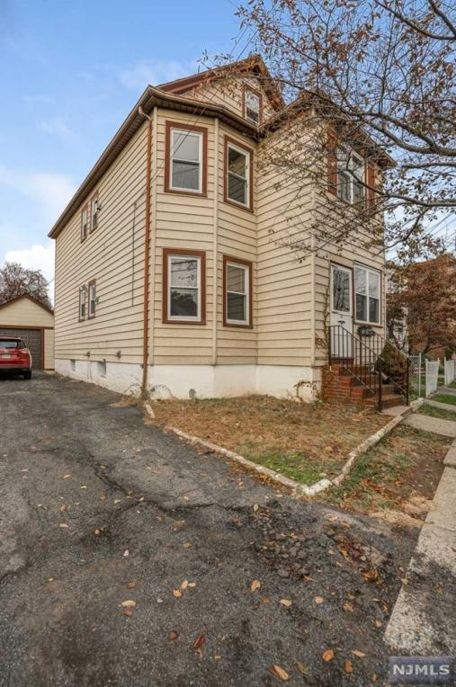 51 Locust Avenue, Wallington, NJ 07057