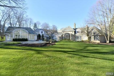 Photo of 104 East Saddle River Road, Saddle River, NJ 07458