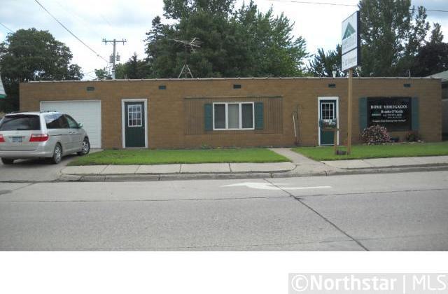 16 Derrynane Street, Le Center, MN 56057