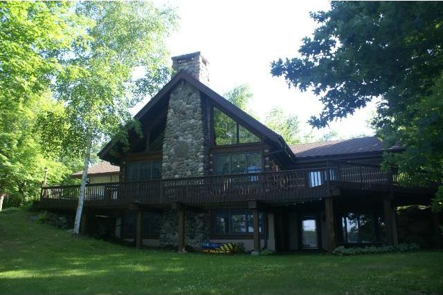 9810 Teepee Tr, Iron River, WI 54847