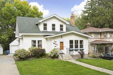 18 W Rustic Lodge, Minneapolis, MN 55419