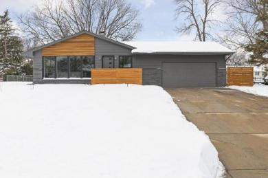 1201 Wills Place, Golden Valley, MN 55422