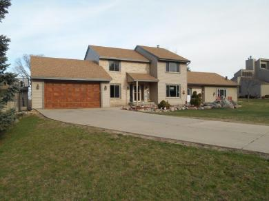 8353 Delaney Circle, Inver Grove Heights, MN 55076
