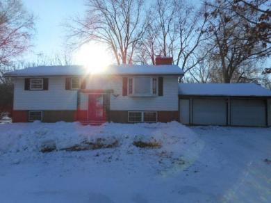 2634 E Stillwater Road, Maplewood, MN 55119