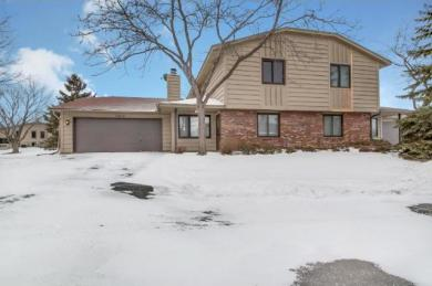 15319 N 40th Avenue, Plymouth, MN 55446