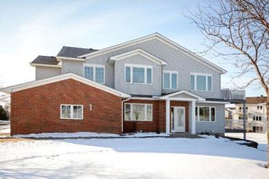 20059 Homestead Court, Lakeville, MN 55044