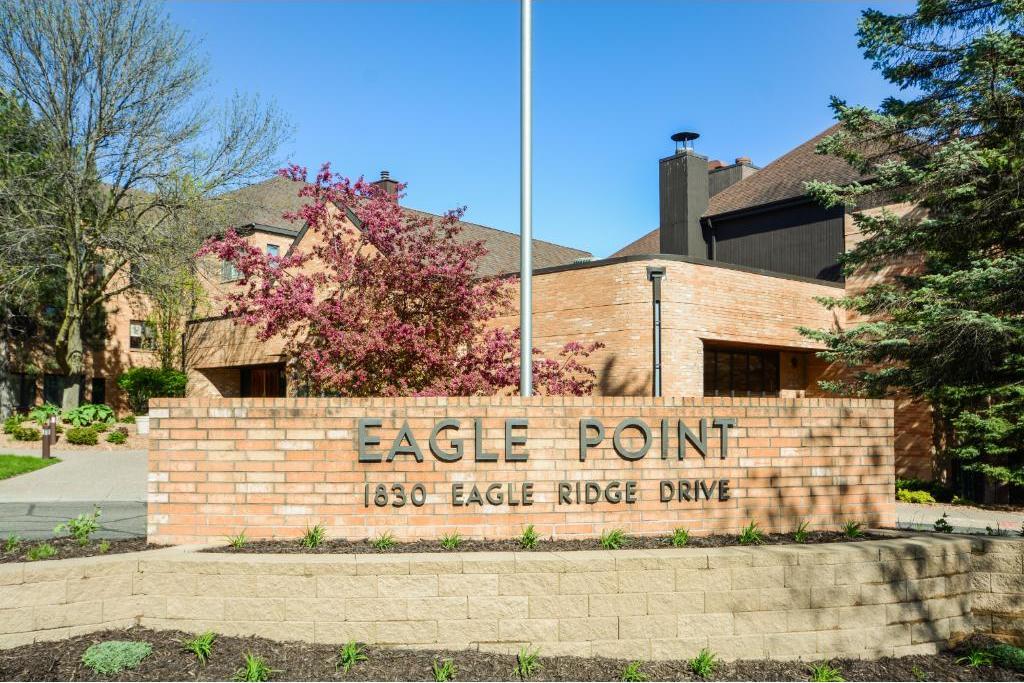 1830 Eagle Ridge Drive #3010, Mendota Heights, MN 55118