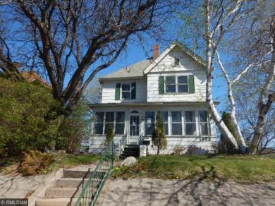 1823 Saint Anthony Avenue, Saint Paul, MN 55104
