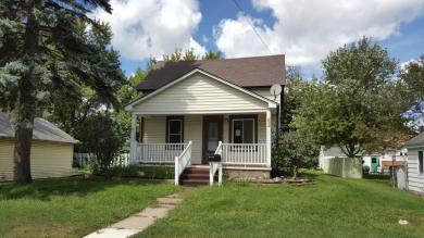 415 E 8th Street, Glencoe, MN 55336