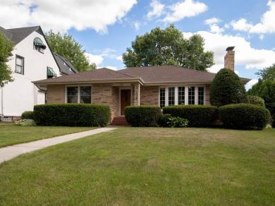 1726 Pinehurst Avenue, Saint Paul, MN 55116