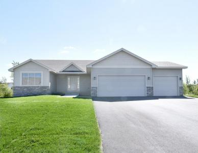 2532 S Davis Street, Cambridge, MN 55008
