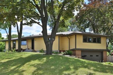 3125 Vista Drive, Golden Valley, MN 55422
