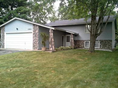 10901 NW Hollywood Boulevard, Coon Rapids, MN 55433