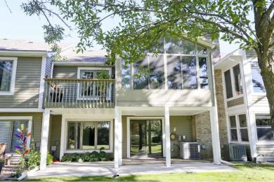 8683 Seasons Parkway, Woodbury, MN 55125