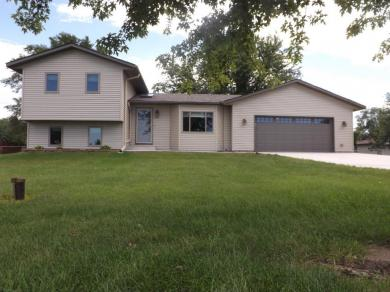 414 27th St, Sartell, MN 56377