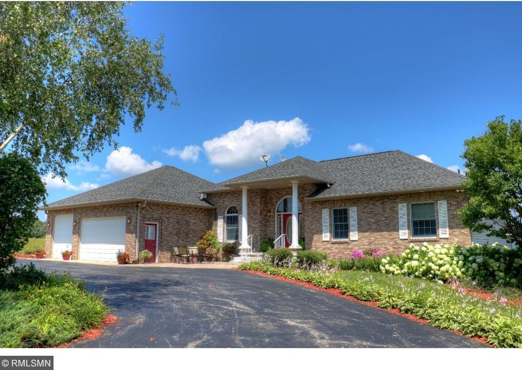 28498 S Ridgeview Drive, Red Wing, MN 55066