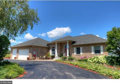 Photo of 28498 S Ridgeview Drive, Red Wing, MN 55066
