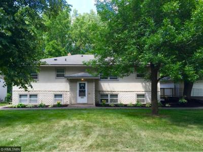 Photo of 1681 E County Road C, Maplewood, MN 55109