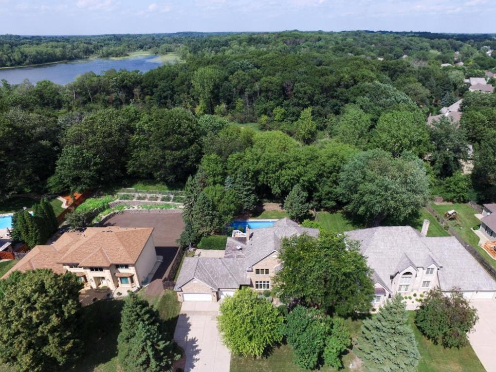 171 Red Oaks Drive, Vadnais Heights, MN 55127