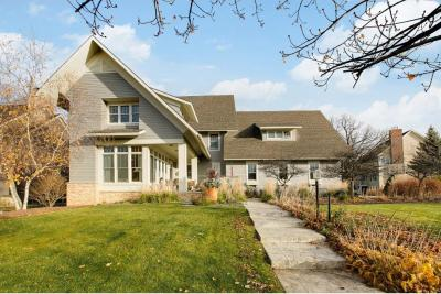Photo of 3248 Crestmoor Drive, Woodbury, MN 55125