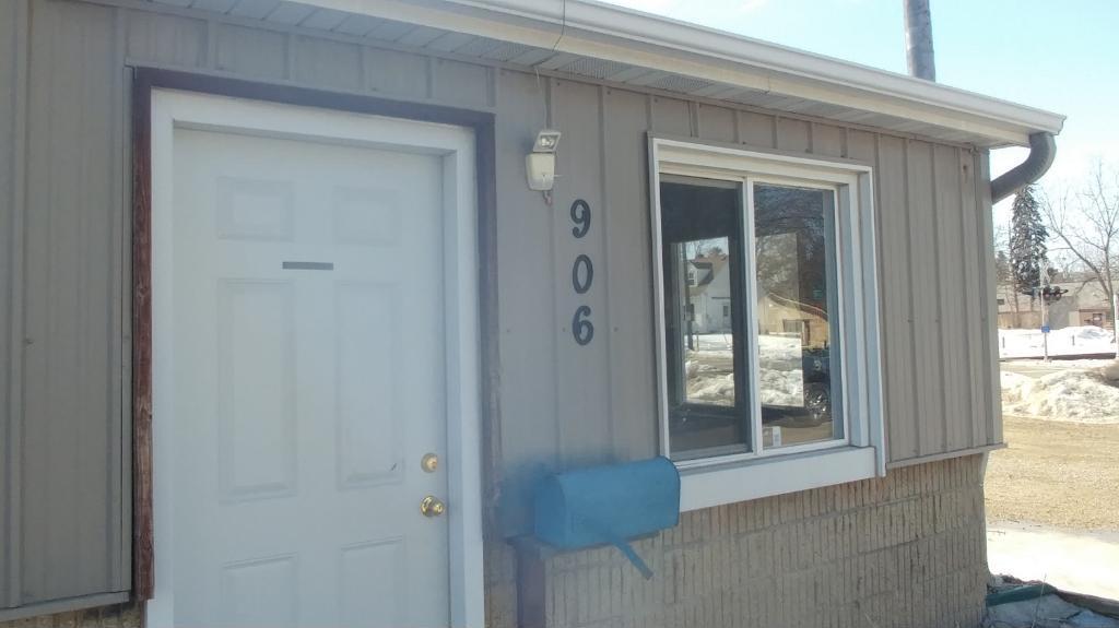 906 / 1002 NE 2nd Street, Rochester, MN 55906