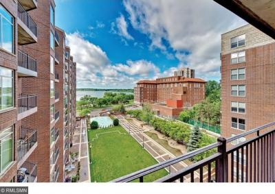 Photo of 2900 S Thomas Avenue #902, Minneapolis, MN 55416