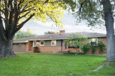 1140 Wills Place, Golden Valley, MN 55422