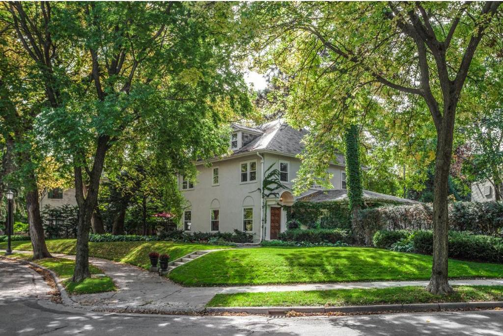 1505 Mount Curve Avenue, Minneapolis, MN 55403
