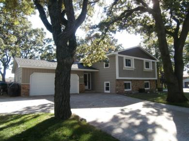 62 NW 98th Lane, Coon Rapids, MN 55448