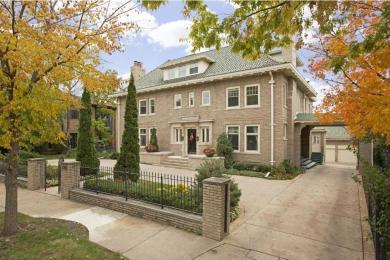 1315 Mount Curve Avenue, Minneapolis, MN 55403
