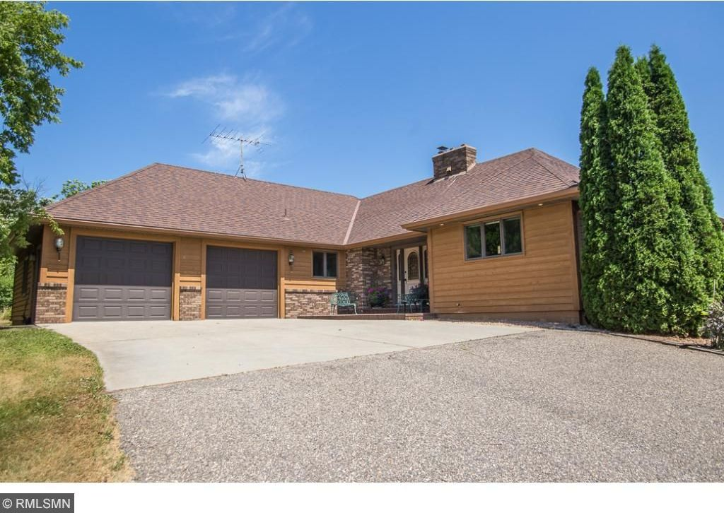 8451 NW Montgomery Avenue, Annandale, MN 55302