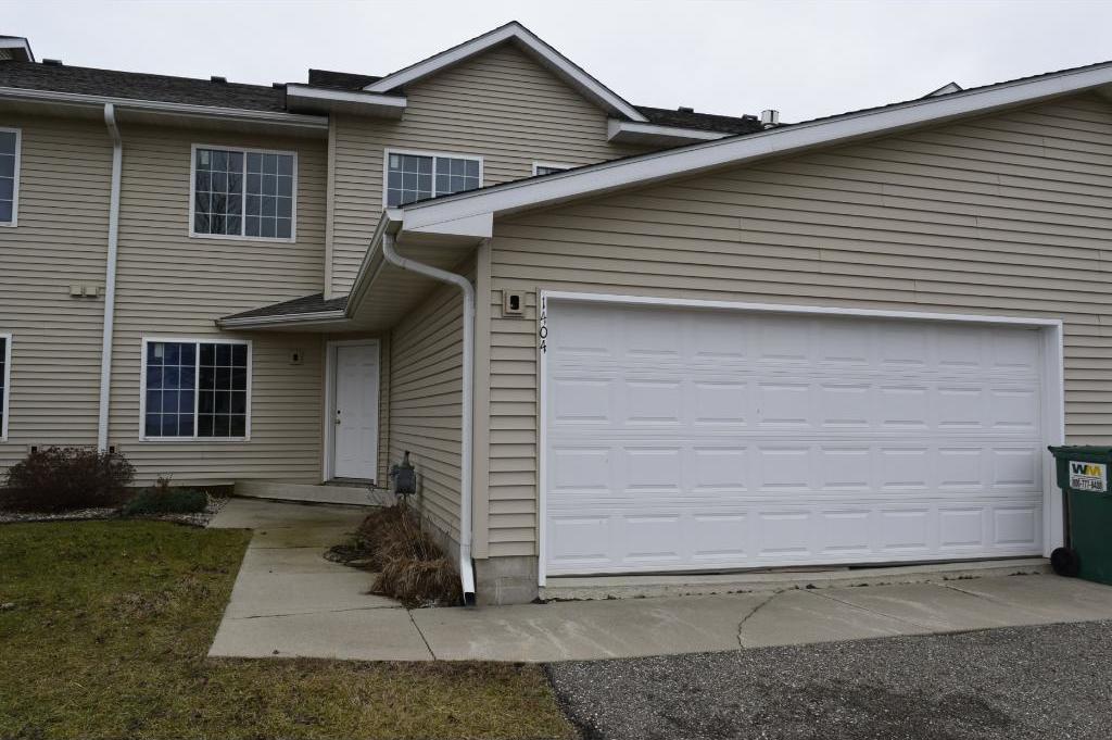 1404 N Baldwin Avenue, Glencoe, MN 55336