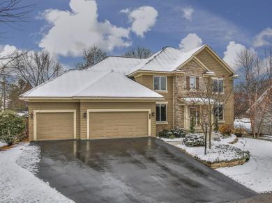 8773 Springwood Drive, Woodbury, MN 55125