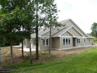 Photo of 932 Cartway Lane, Hinckley, MN 55037