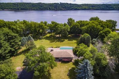 Photo of 17 Point Road, Bayport, MN 55003