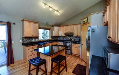 8816 Carriage Hill Road, Savage, MN 55378