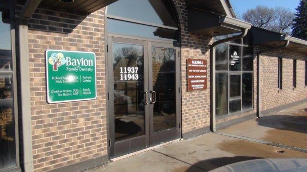 11937-11939 NE Central Avenue, Blaine, MN 55434