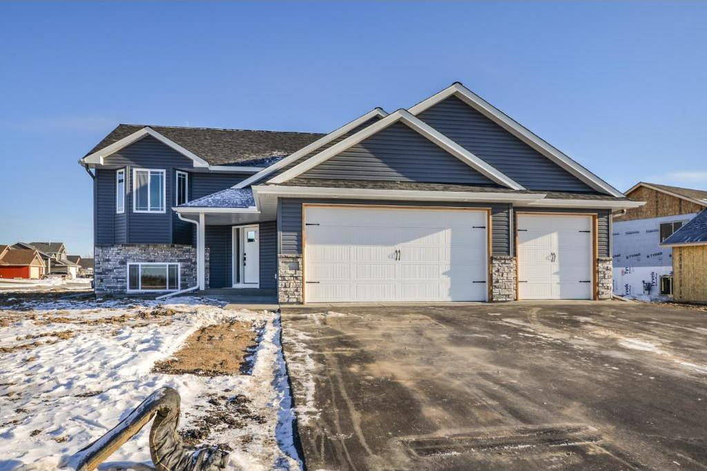 12201 317th Lane, Lindstrom, MN 55045