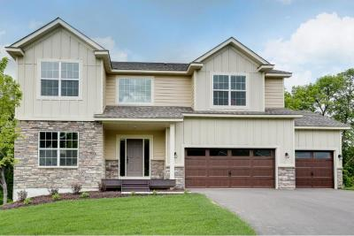 Photo of 1022 S Pheasant Run, Lino Lakes, MN 55014