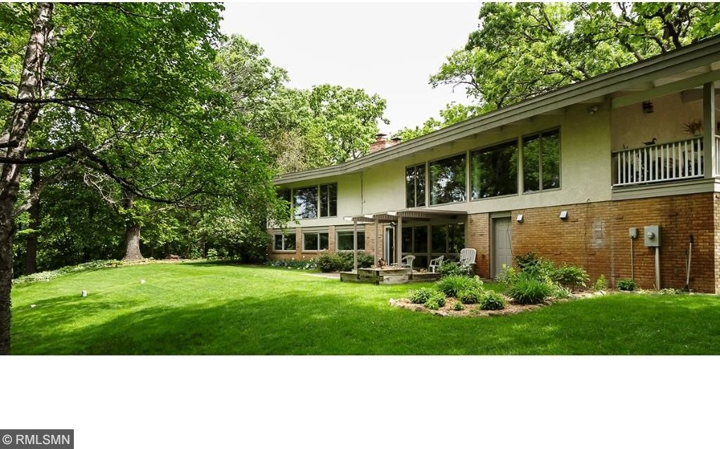 7070 Willow Creek Road, Eden Prairie, MN 55344