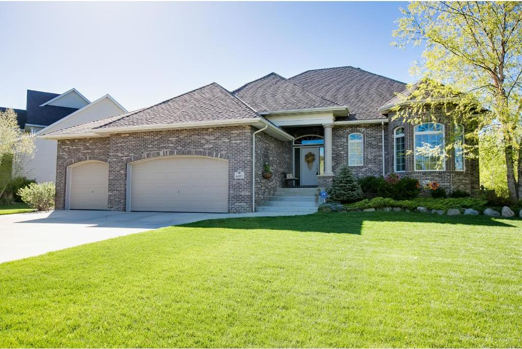 6491 Pipewood Curve, Chanhassen, MN 55331